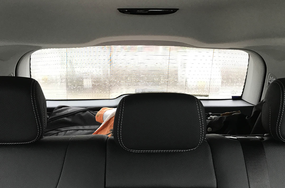 外貼り・横ストライプ(車内から)