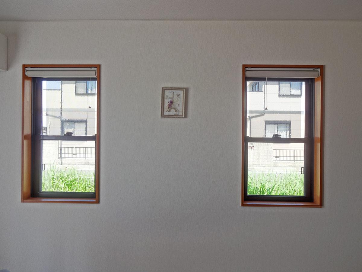 室内から:外貼り/横ストライプ/ファイン